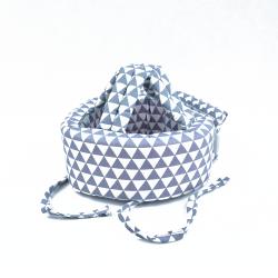 """Детский защитный противоударный мягкий шлем от ударов """"Треугольники, бело-серый"""""""