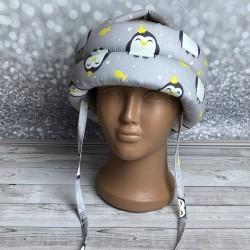 """Детский защитный противоударный мягкий шлем от ударов  """"Пингвины с короной"""""""