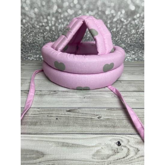 """Детский защитный противоударный мягкий шлем от ударов  """"Серые сердечки на розовом"""""""